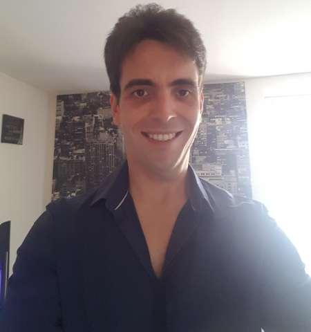 Homme de 34 ans recherche étudiante